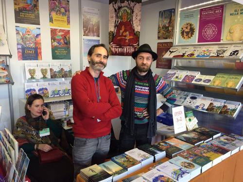 Elisa, Giovanni e Francesco allo stand di Spazio Interiore alla Fiera della Piccola Editoria di Roma